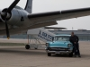 Chevy 57 BelAir Two-Ten mit einer DC-4 in Tempelhof beim Foto-Termin